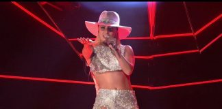 Lady Gaga singing Joanne Live