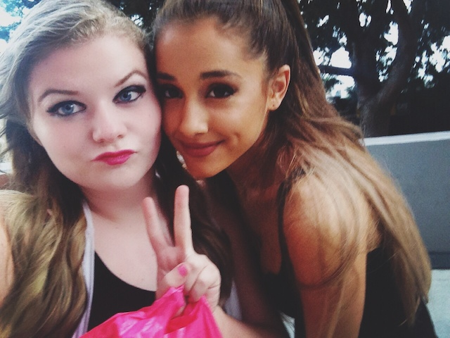 ariana being rude to a fan of hers